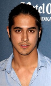 avan-jogia-bio-photo